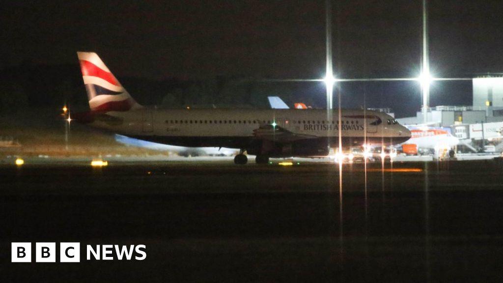 BA jet in emergency landing at Gatwick