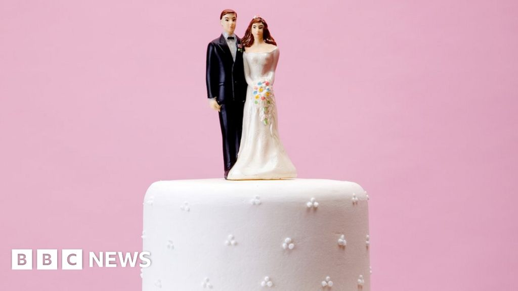 Covid: Pandemic 'has highlighted archaic wedding laws'