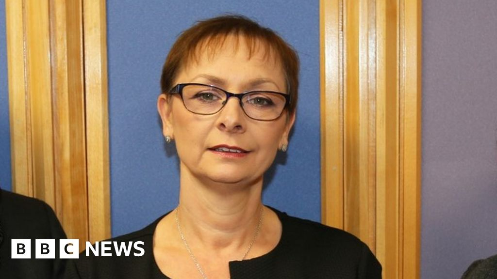 Powys council appoints Dr Caroline Turner as chief executive - BBC News