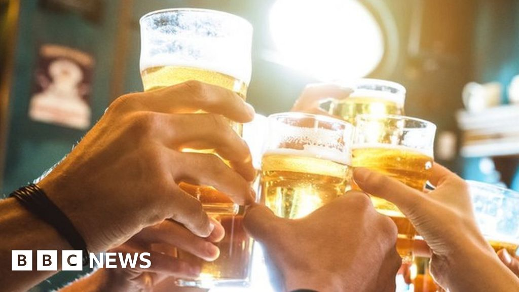 Leeds students call for club boycott over drink spiking 'epidemic'