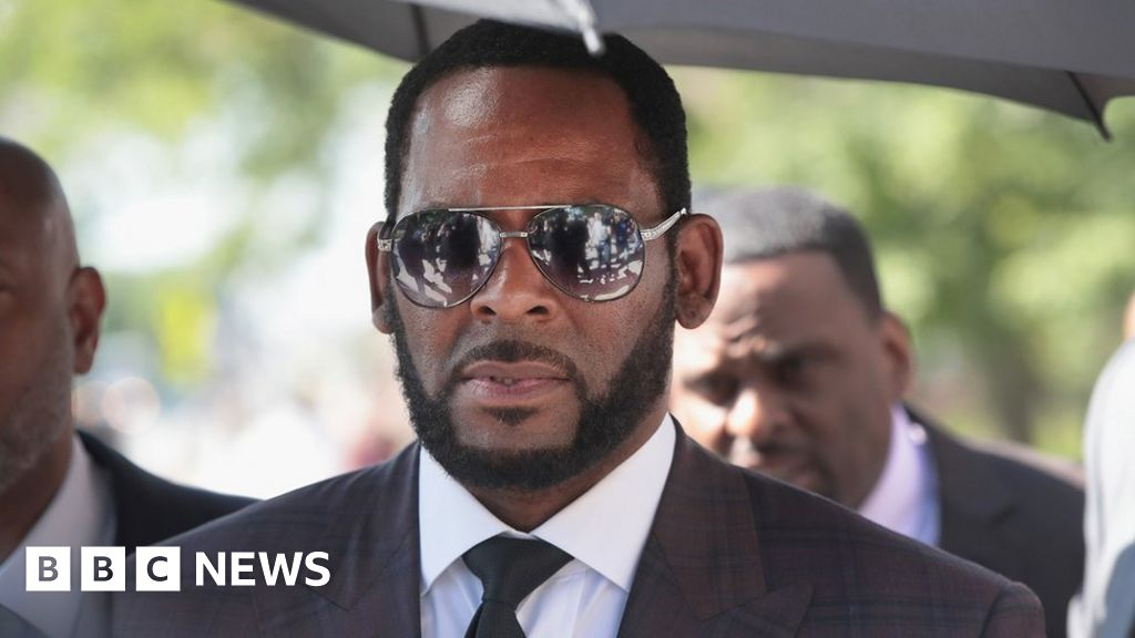 R. Kelly was 'attacked in jail', says his lawyer thumbnail