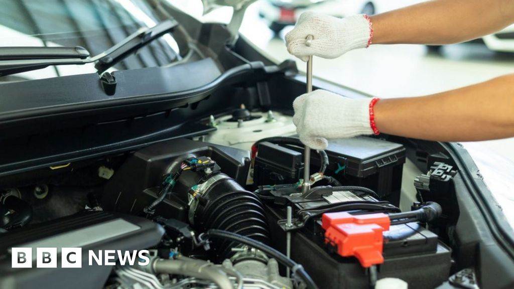 Driver and Vehicle Agency says sorry for MoT booking issues