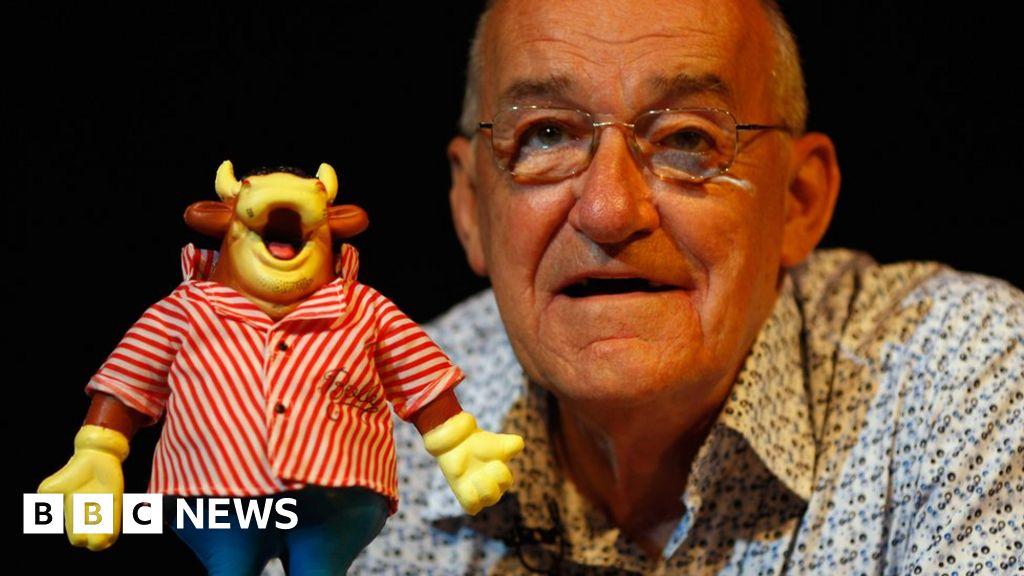 Bullseye host Jim Bowen dies at 80
