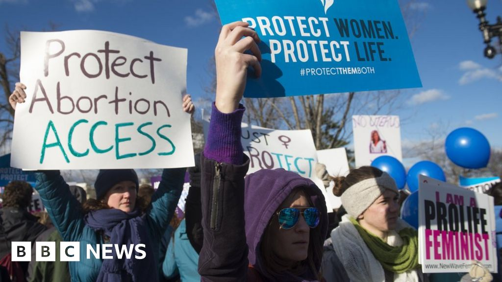 US judge blocks Mississippi abortion ban