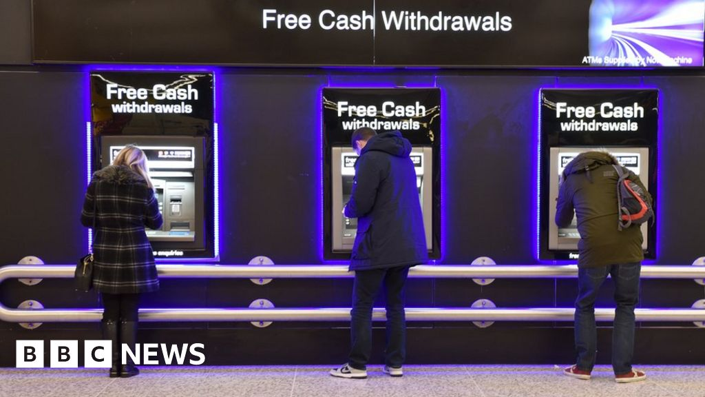 Free cash machines vanishing at alarming rate, says Which