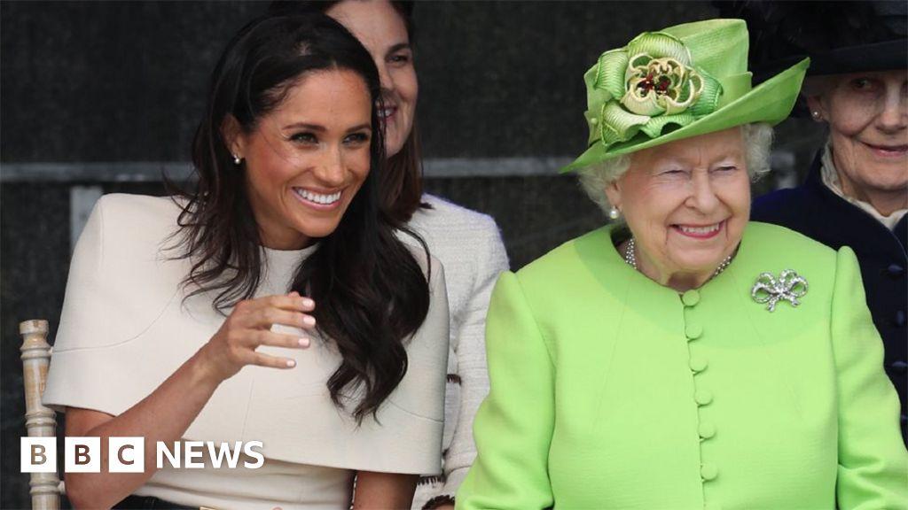102017129 21e782ce 0254 4a5b ae2b 81b4a86413de - Queen and Meghan in first royal visit