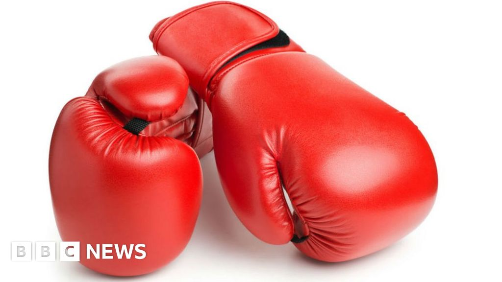 Peter Mathebula: South Africa's world champion boxer dies - BBC News