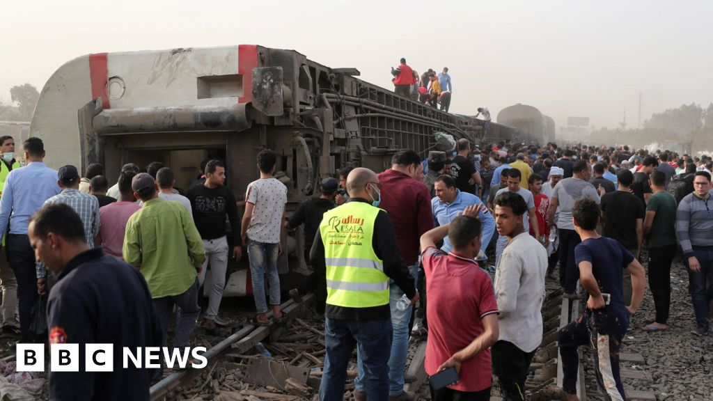 Egypt's second train crash in the month has killed 11 people
