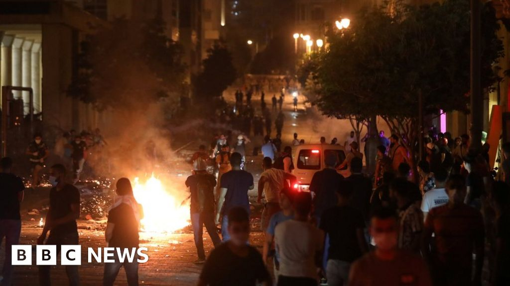Beirut explosion: Anti-government protests break out in city - bbc