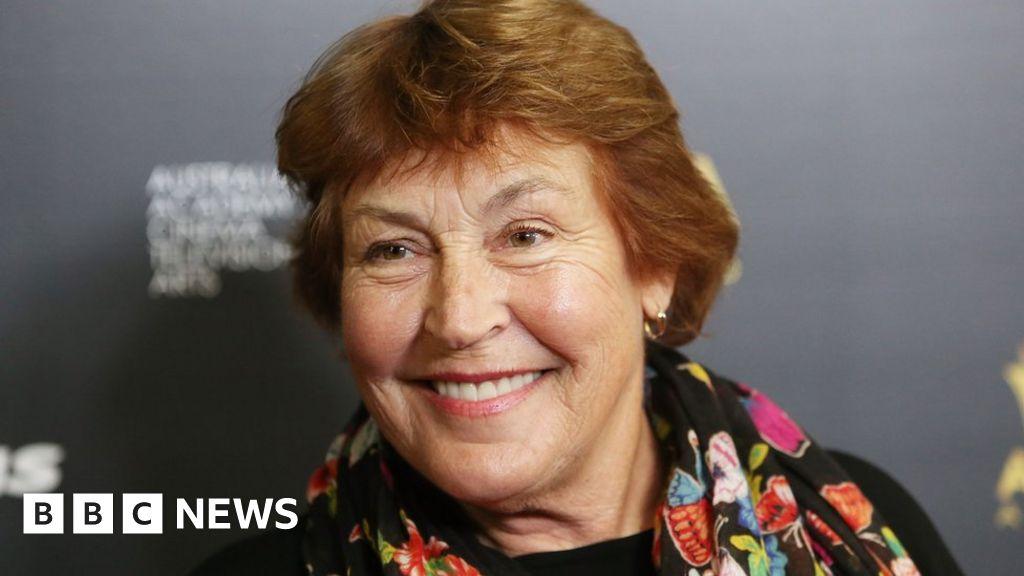 Helen Reddy: Australian singer of feminist anthem I Am Woman dies