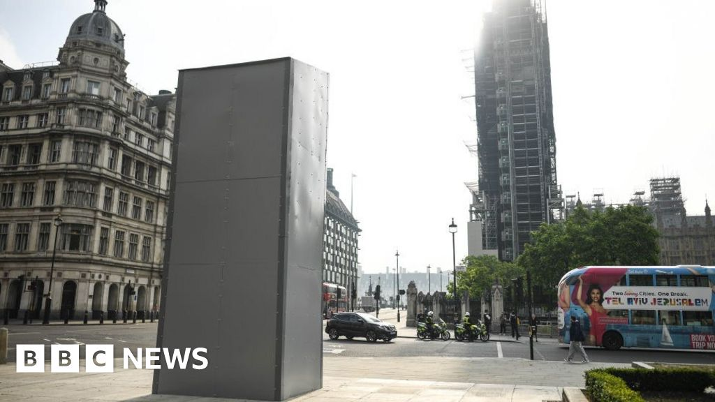 Protests threat to the Churchill statue is shameful, says Boris Johnson