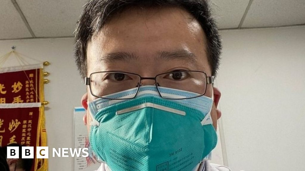 Coronavirus 'kills Chinese whistleblower doctor Li Wenliang'