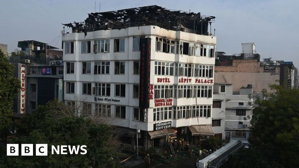 Seventeen die in Delhi hotel fire