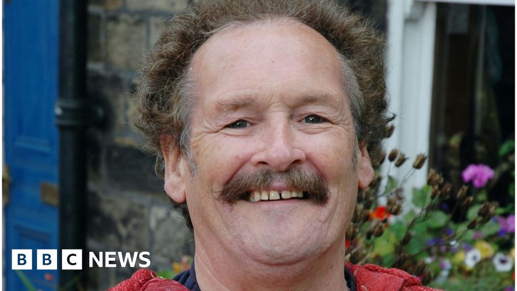 Bobby Ball: Cannon & Ball star dies aged 76 after Covid-19 diagnosis