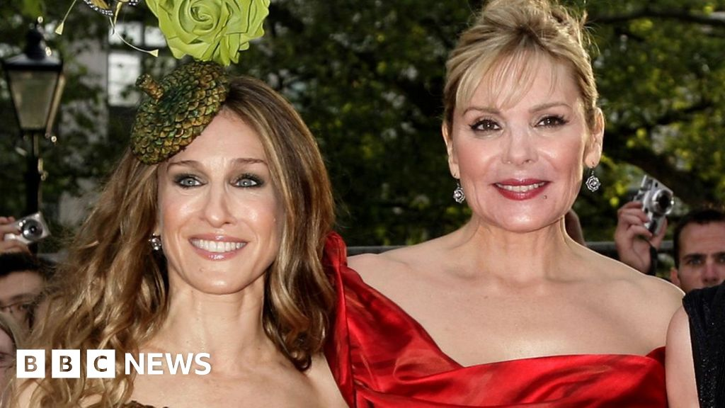 Kim Cattrall criticises 'cruel' Sarah Jessica Parker after brother's death