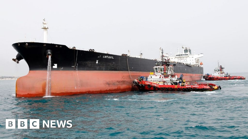 US to end sanctions waivers for major Iranian oil importers