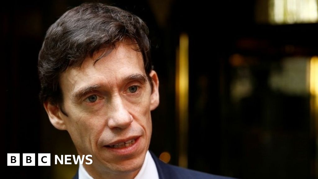 Ex-Tory MP Rory Stewart standing down