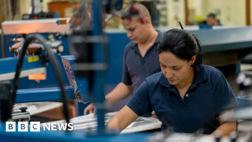 UK productivity suffers worst drop in five years