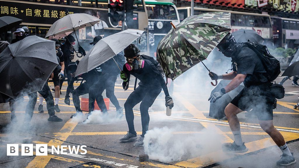 Hong Kong's weekend of protests, fire and tear gas