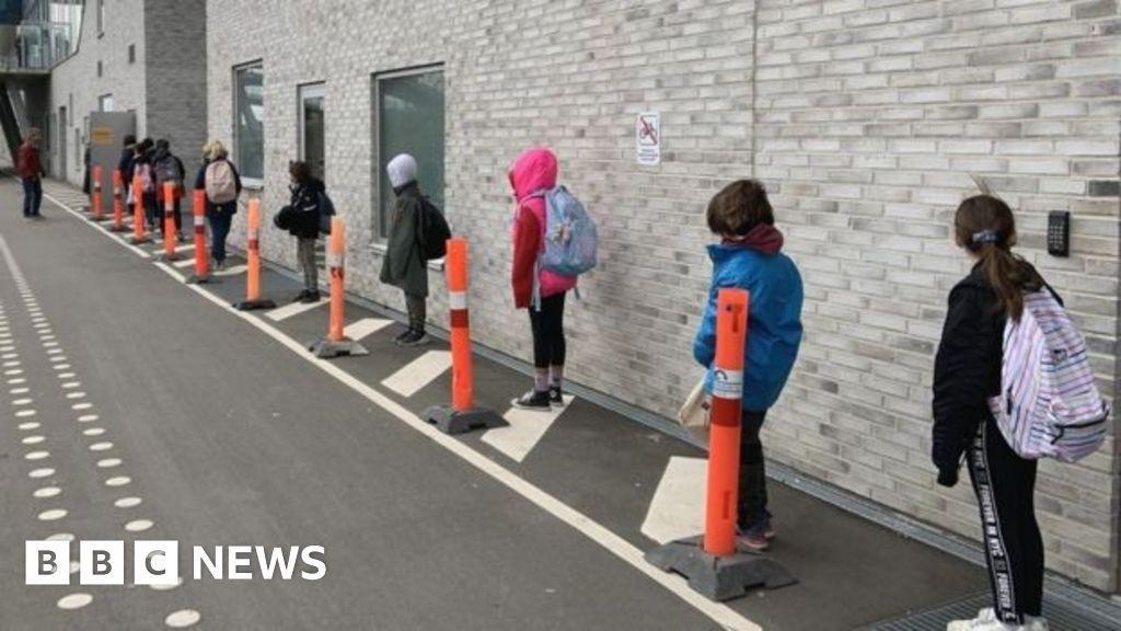 Coronavirus: School return plans to be scrutinised by inspectors thumbnail