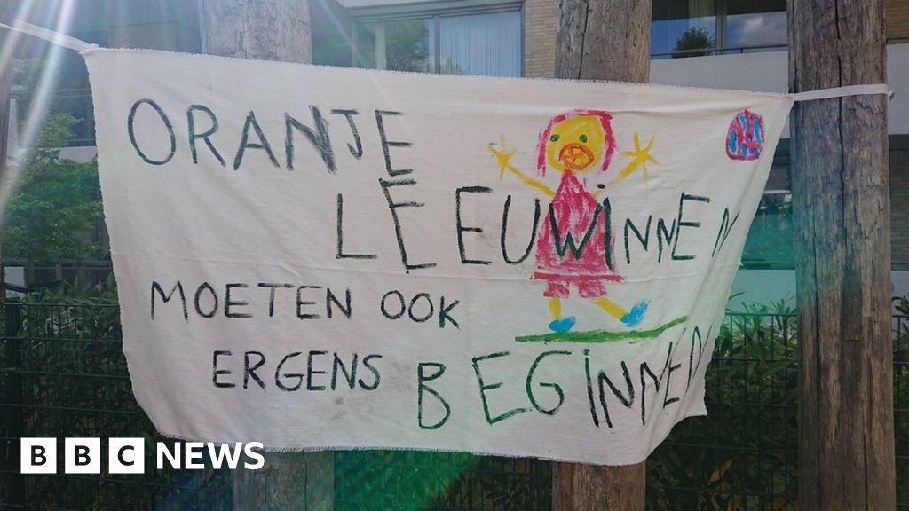 Noisy Dutch children banned from playground
