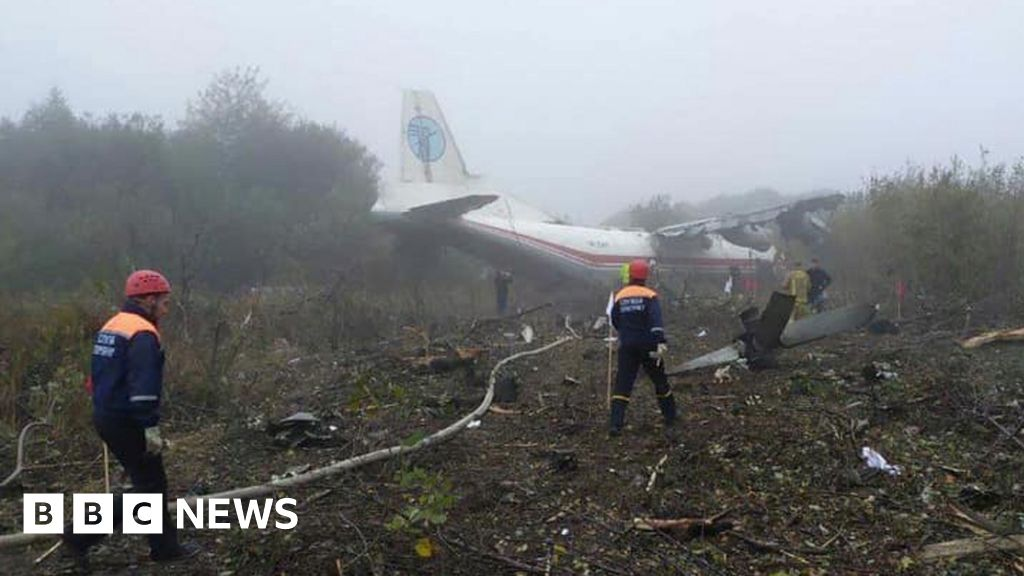 Five die as plane runs out of fuel and crash-lands