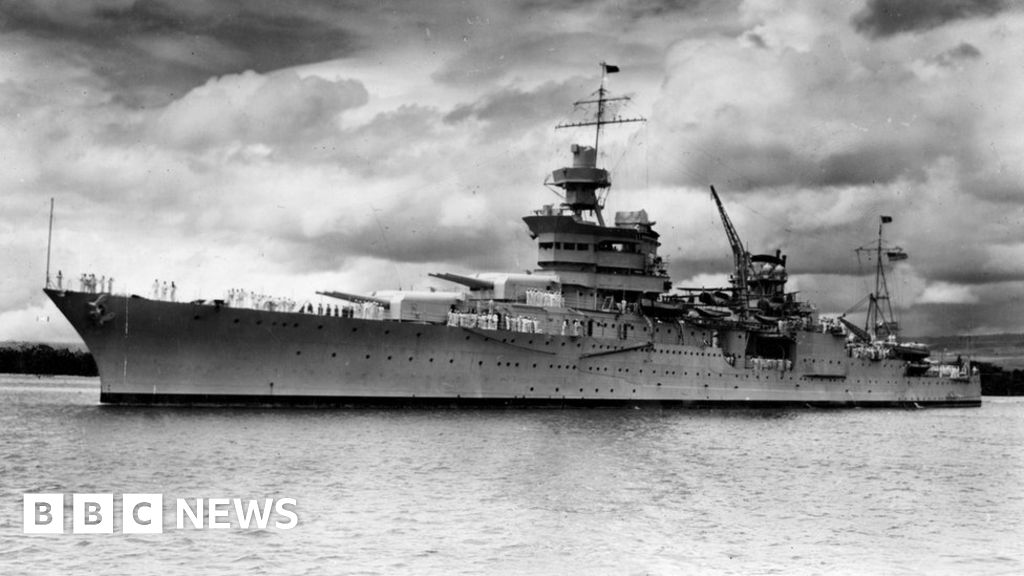 Lost WW2 warship USS Indianapolis found after 72 years - BBC News