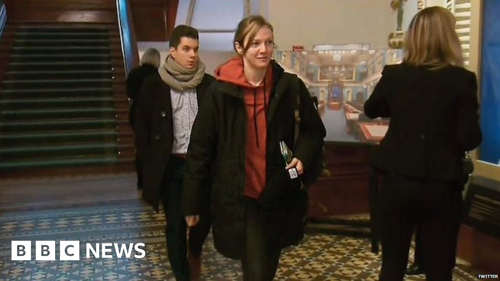 Hoodie gets Quebec politician thrown out of legislature