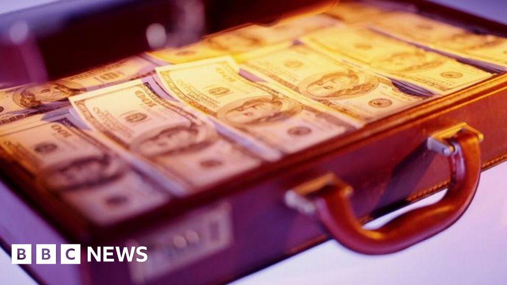 Zimbabwe anti-corruption body starts audit of the rich thumbnail