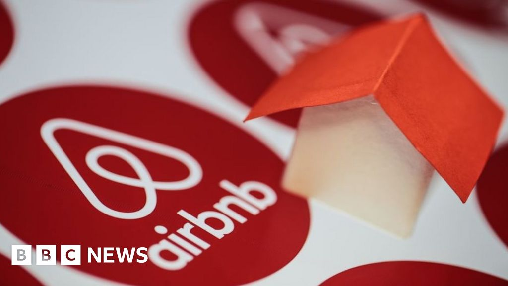 Airbnb puts stock market float back on the table