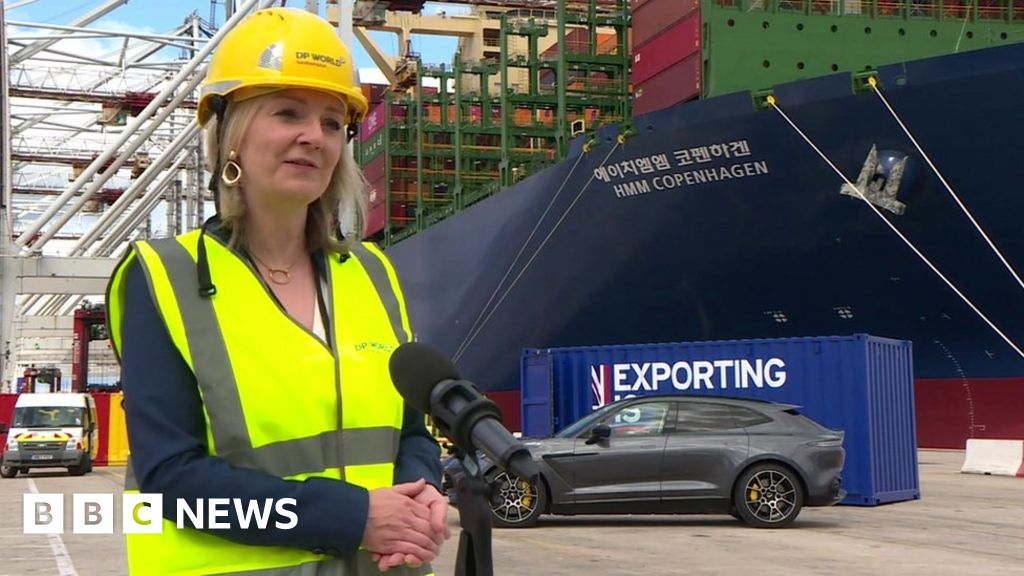 Liz Truss: US trade deal 'won't mean lower food standards'