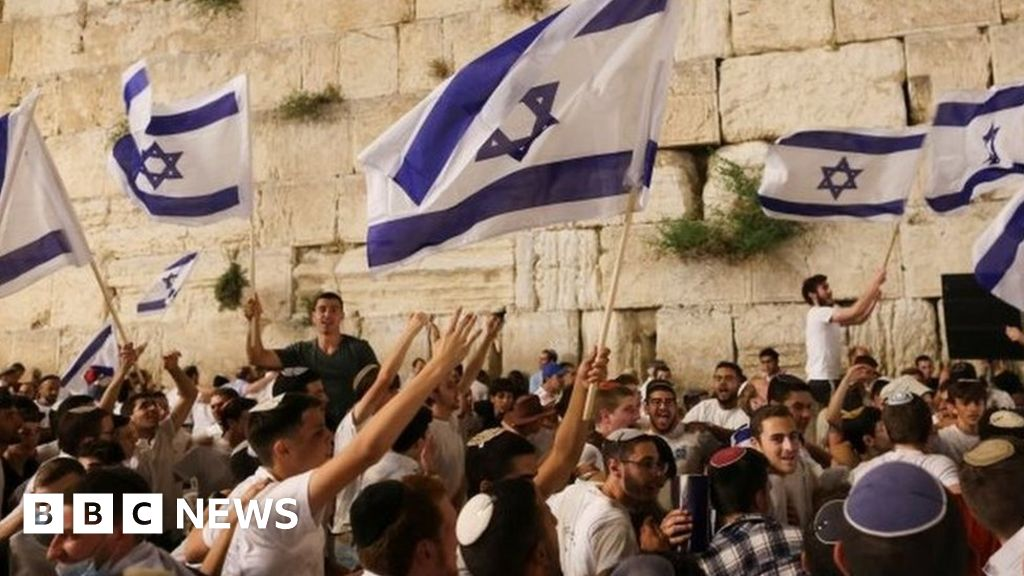 Jerusalem violence: More clashes ahead of nationalist march - bbc