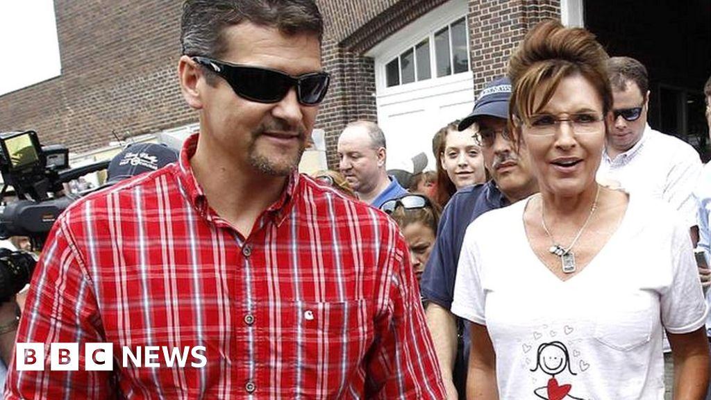"""Sarah Palin s husband """"files for divorce"""