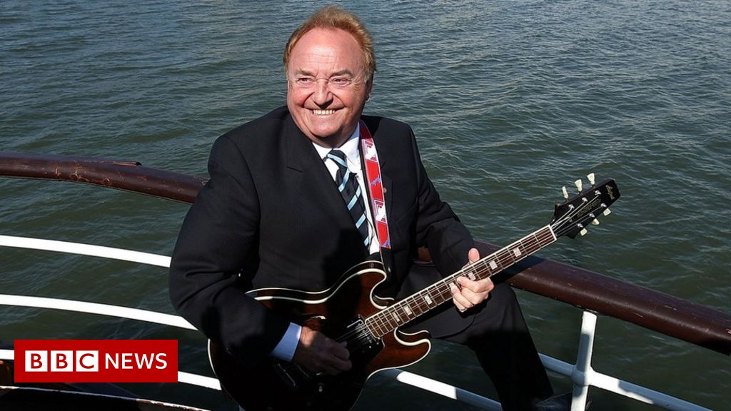 Liverpool FC anthem singer Gerry Marsden dies aged 78