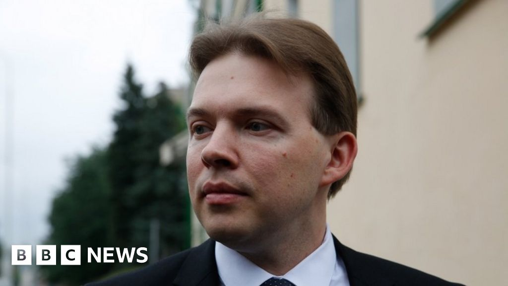 Belarus opposition leader detained after resisting forced exile to Ukraine