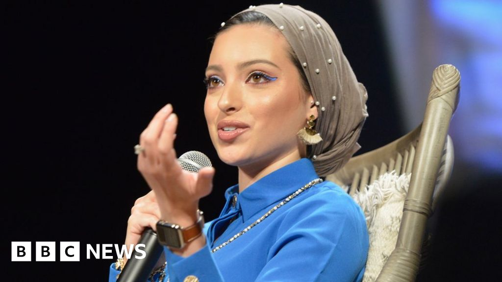 vogue-sorry-for-misidentifying-journalist-noor-tagouri