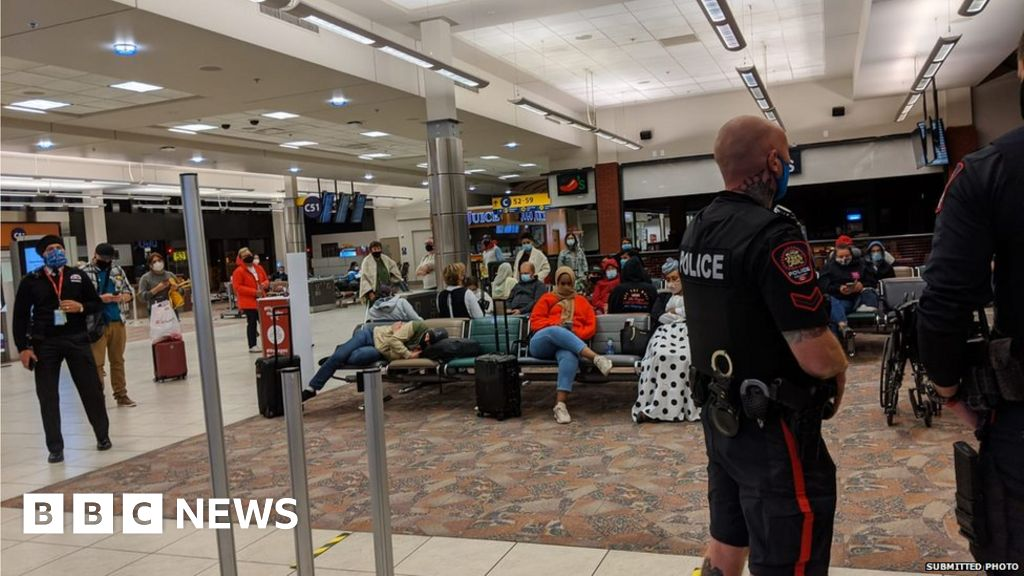 Canadian Flight Cancelled After Toddler Refused To Wear Face Mask