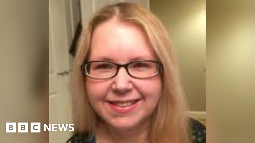 Hospital patient 'died after blood sugar mistakes' thumbnail