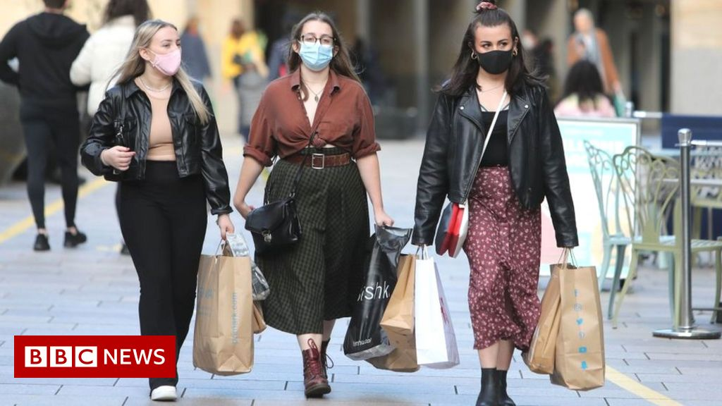Shoppers stuck at home shun new clothes in 2020
