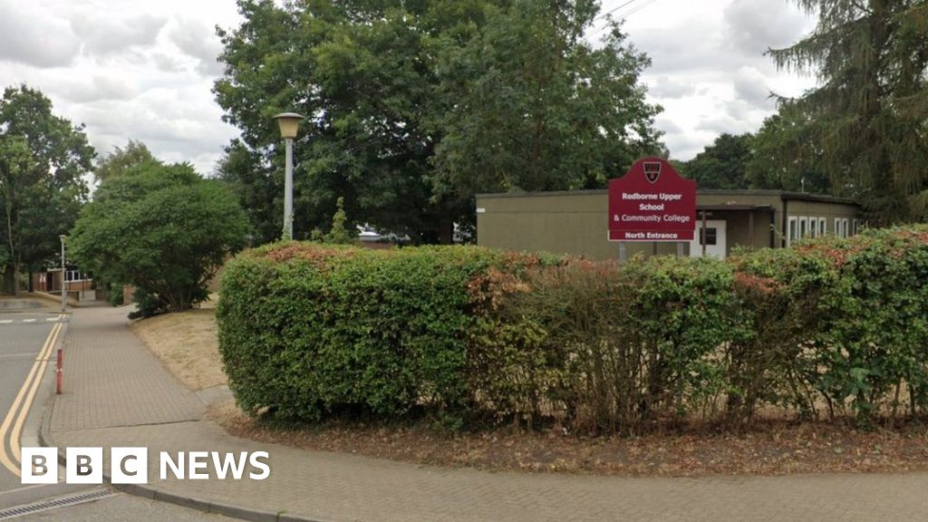 School apologises for sending parents anti-vaccine letter