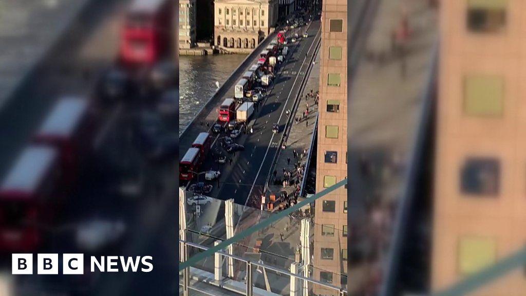 London Bridge: Witness describes scene thumbnail