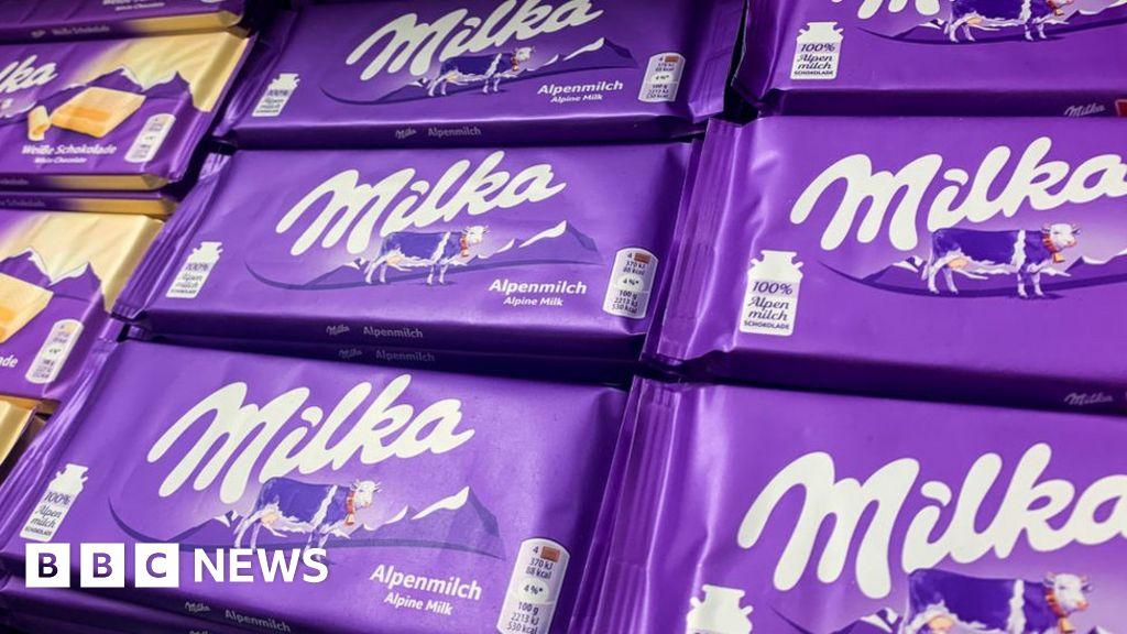 Mondelez threatens trademark battle over bar's lilac packaging