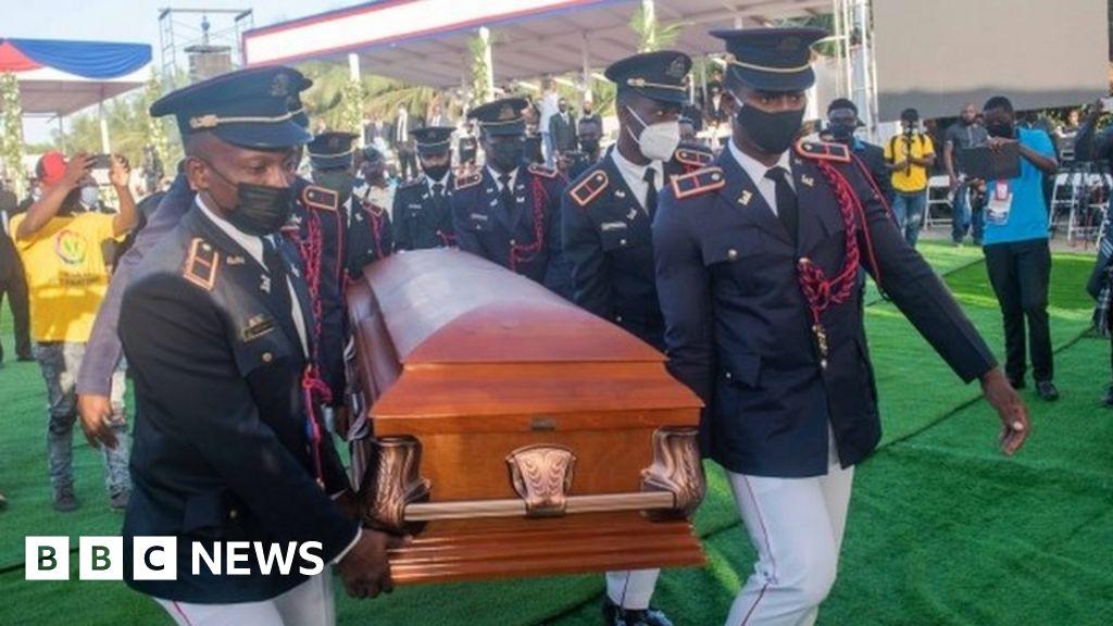 Jovenel Moïse: Unrest mars funeral of assassinated Haitian leader