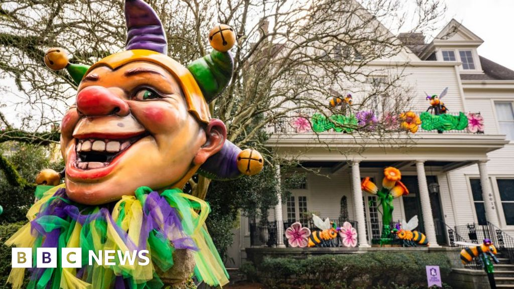 Covid-hit New Orleans turns homes into floats for Mardi Gras