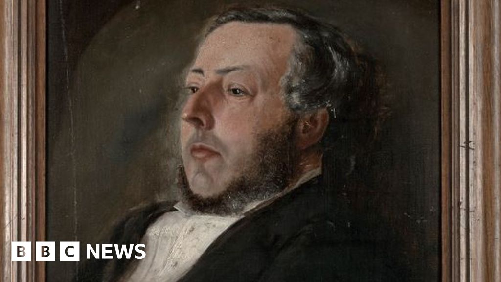 Enoch Salisbury: The man who collected 18,000 Wales books