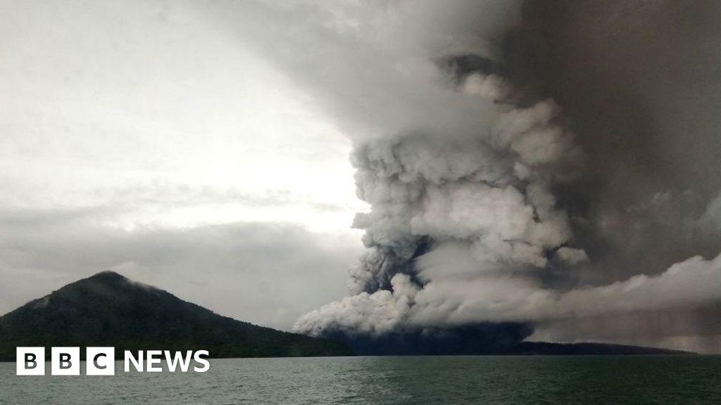 Anak Krakatau: Indonesia flights rerouted as volcano alert level raised