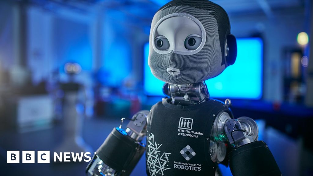 Coronavirus: Robot doctor could help with future outbreak