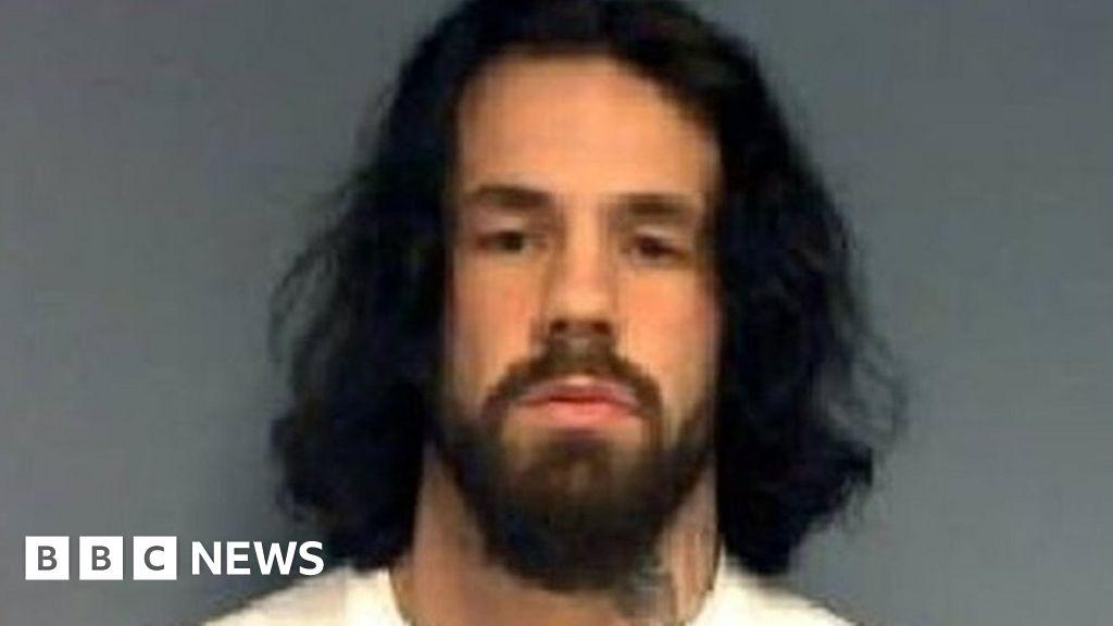 Naked man in Walmart soxcapade - NY Daily News