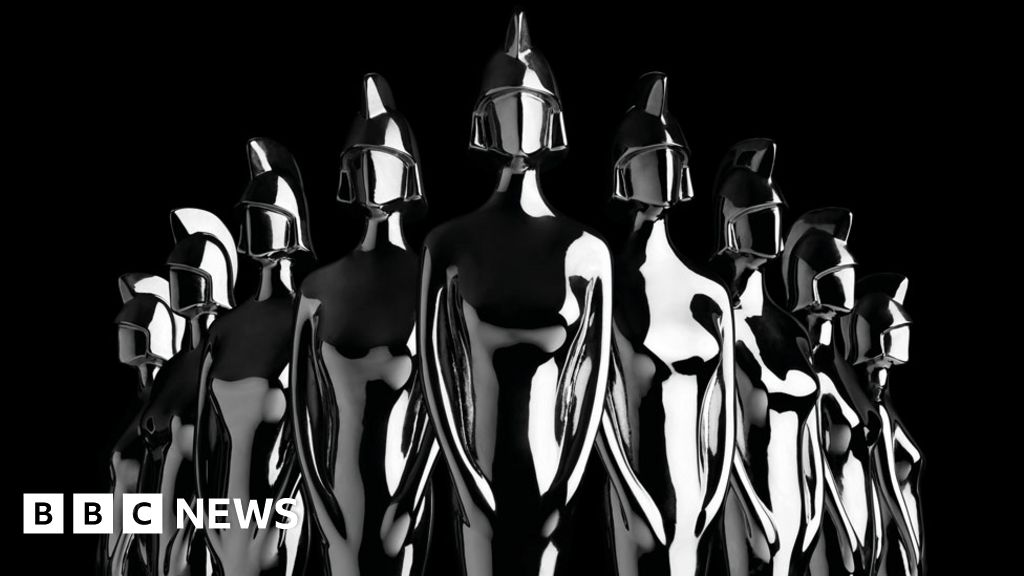Brit Awards: red carpet in pictures