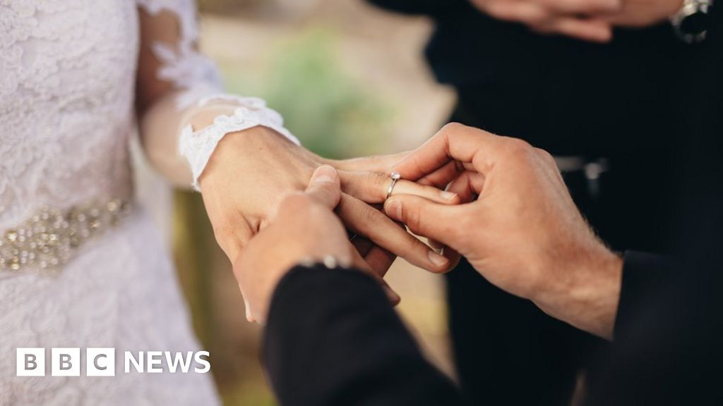 Humanist weddings: Landmark High Court problem to legally recognise marriages thumbnail